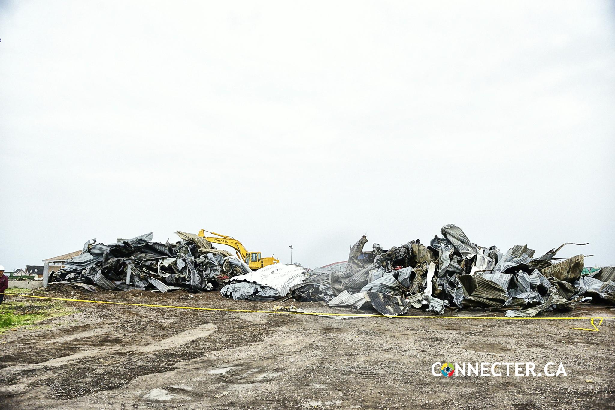 Hangar du chantier maritime Paspébiac a été démantelé aujourd'hui! Photos!
