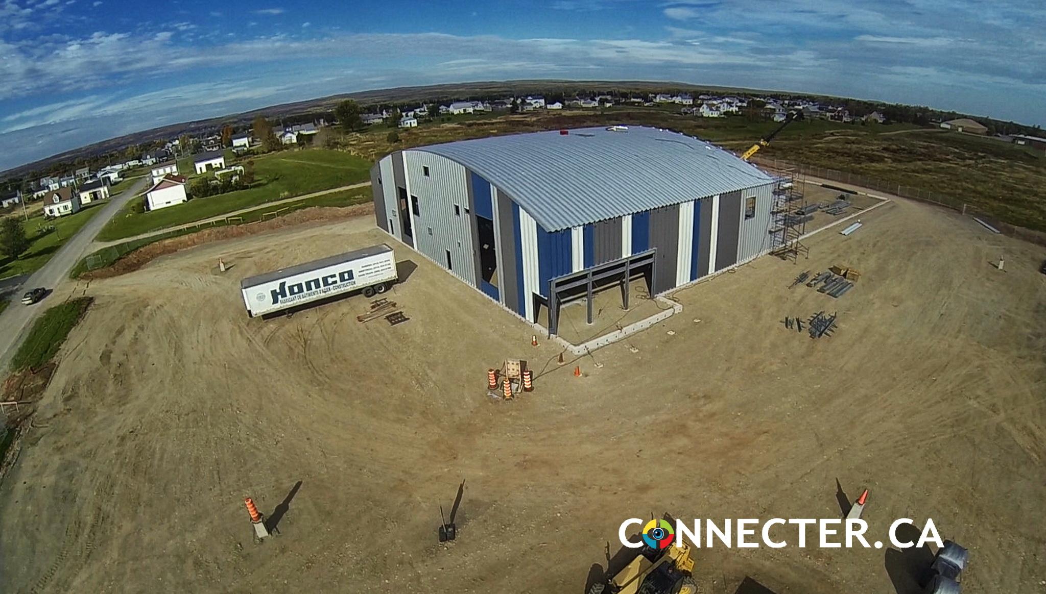 Quelques photos aériennes du nouveau centre récréatif de Paspébiac en construction