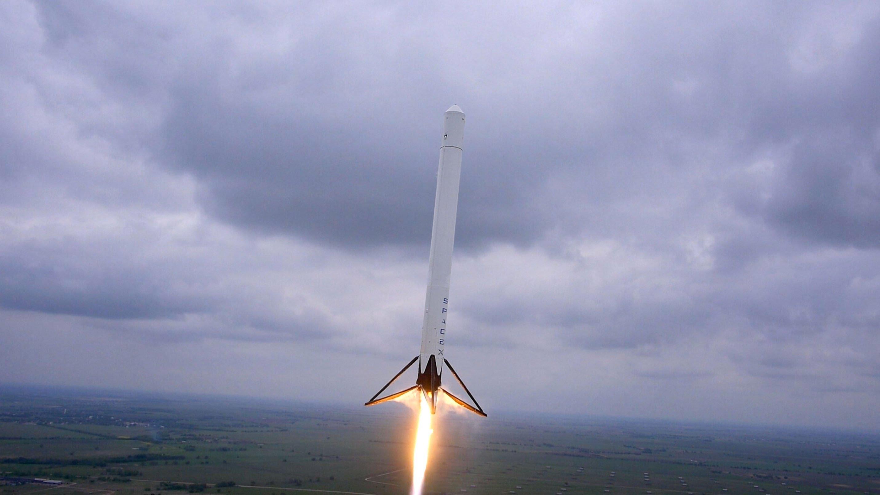 F9R Premier test en vol , 250m!