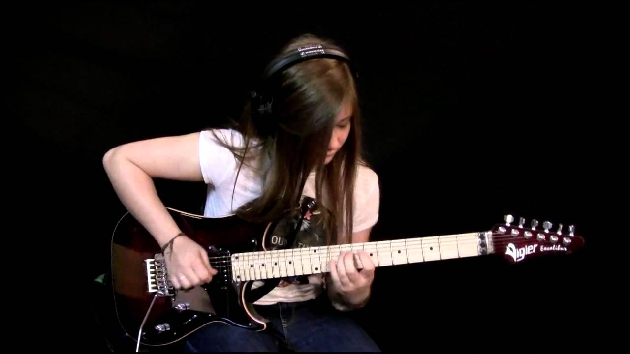 Elle n'a que 15 ans! Solo de guitare de la pièce Comfortably Numb Pink Floyd!
