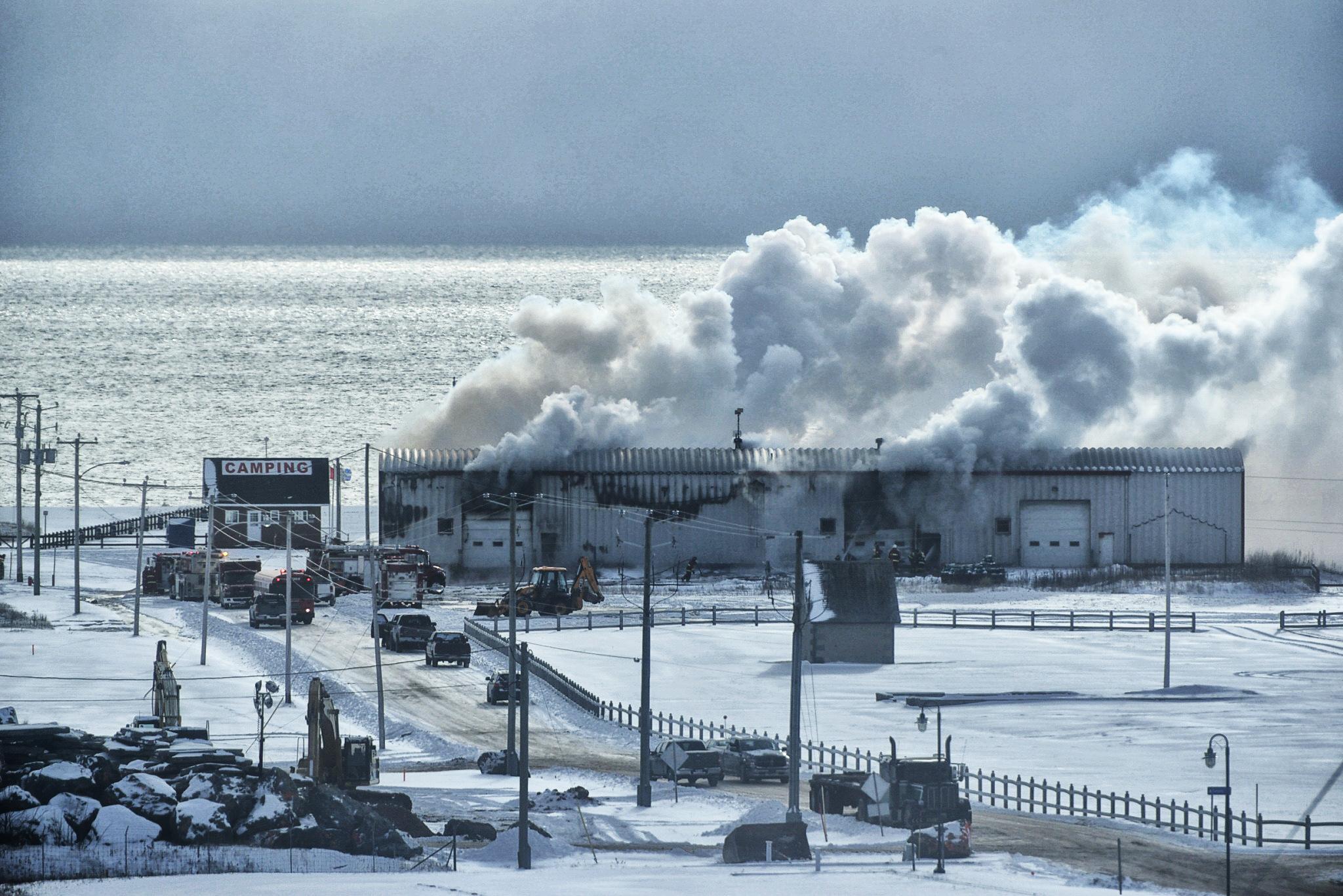 Incendie hangar du chantier maritime Paspébiac!