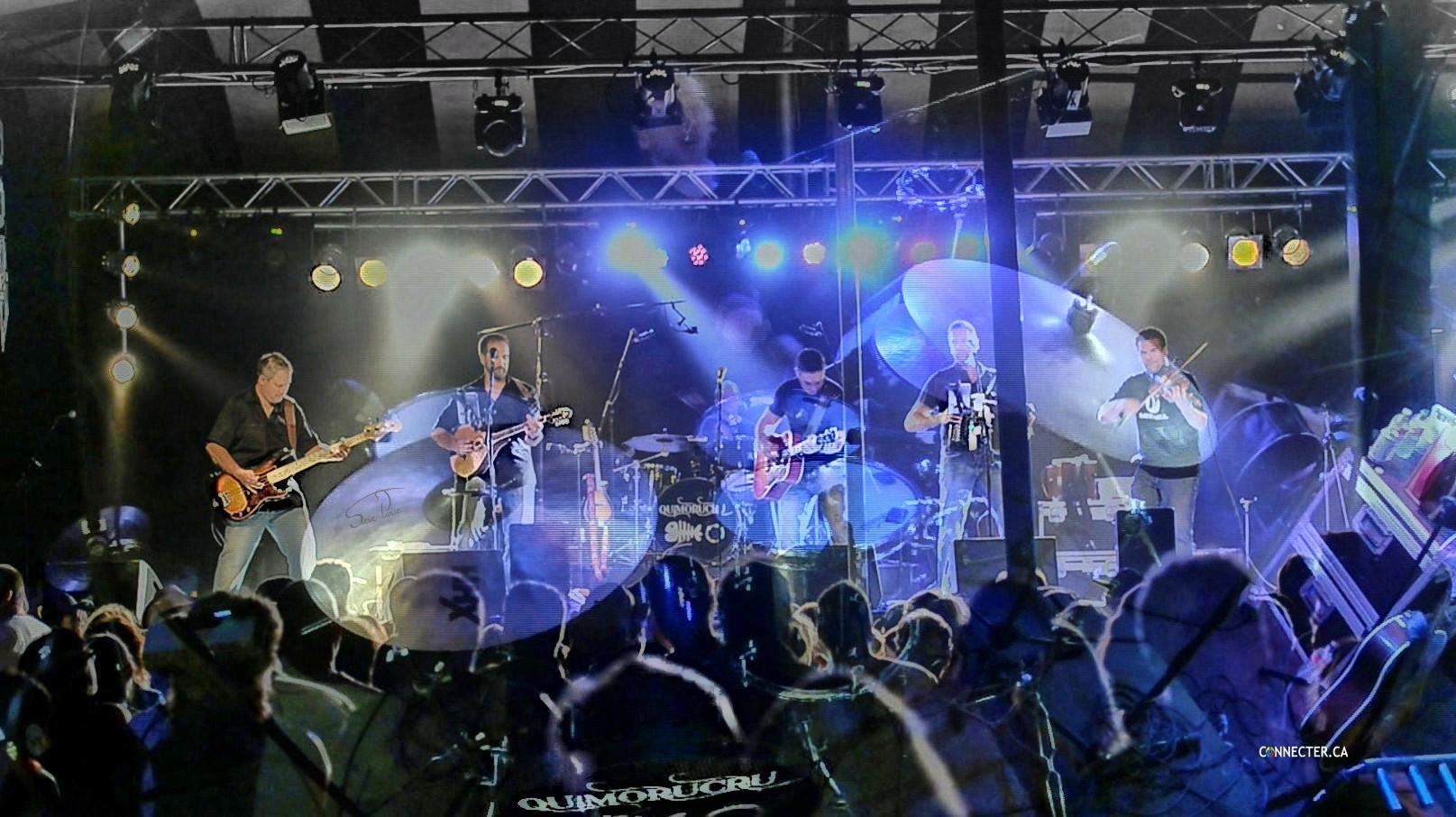Photos et un court extrait vidéo du spectacle du groupe Gaspésien, Quimorucru au festival du crabe de Paspébiac!