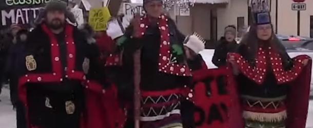 Un vidéo de TV5 monde qui résume bien la crise entre les autochtones et le gazoduc!